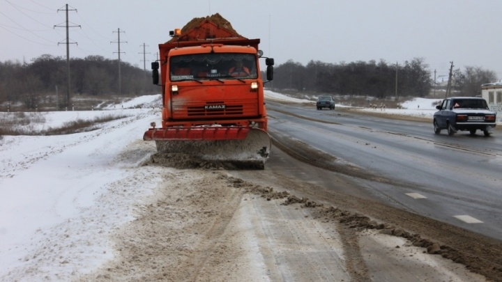 «Помогите, замерзаем»: семья дончан попала в ледяной плен на трассе Морозовск — Цимлянск