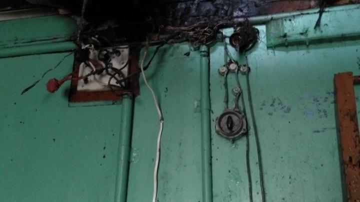 «Как мы чуть не сгорели»: в Соломбале пожар произошел из-за медленной работы УК