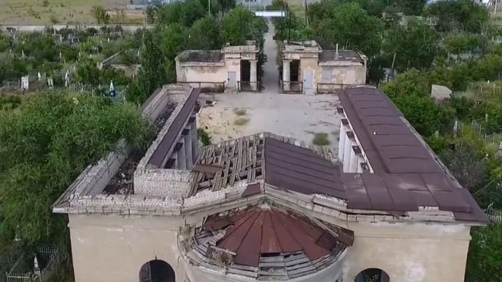 Единственный в России мортуарий в Волжском сняли со стометровой высоты
