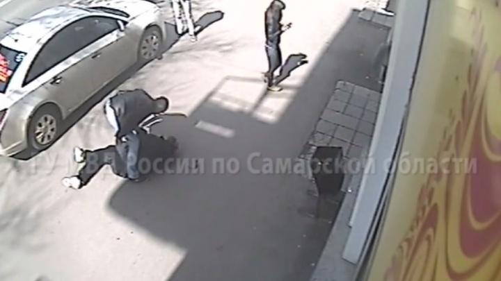 В Самаре мужчину, который избил пешехода за просьбу убрать машину с тротуара, отправили за решётку