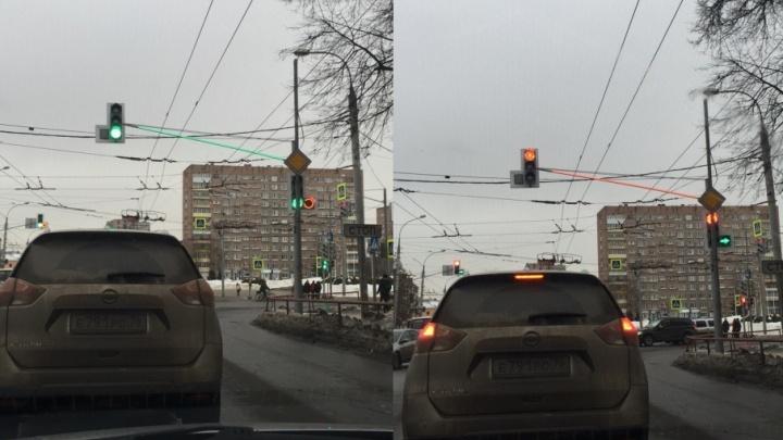 По Рыбинску расставляют светофоры со световыми эффектами
