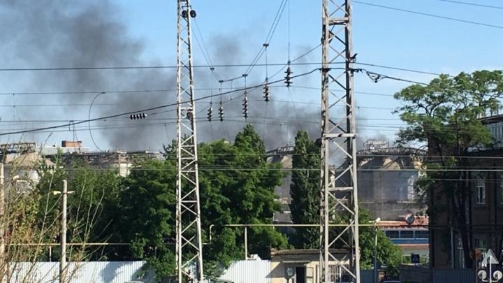 В Ростове-на-Дону загорелась мусорная свалка