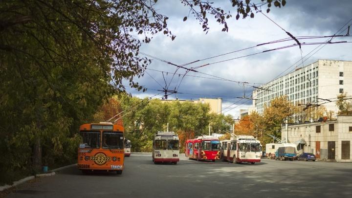 В двух районах Челябинска продлили закрытие движения троллейбусов