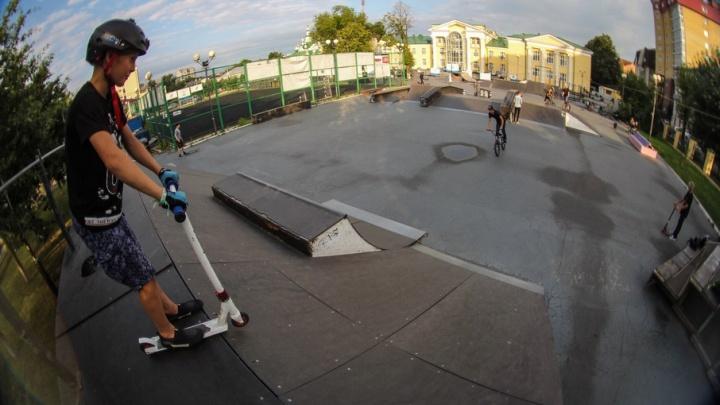 В тюменском скейт-парке запретили кататься без шлемов