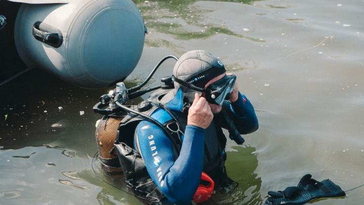 Подводная Тюмень: чем занимаются водолазы, что они находят на дне местных рек и как спасают тонущих людей
