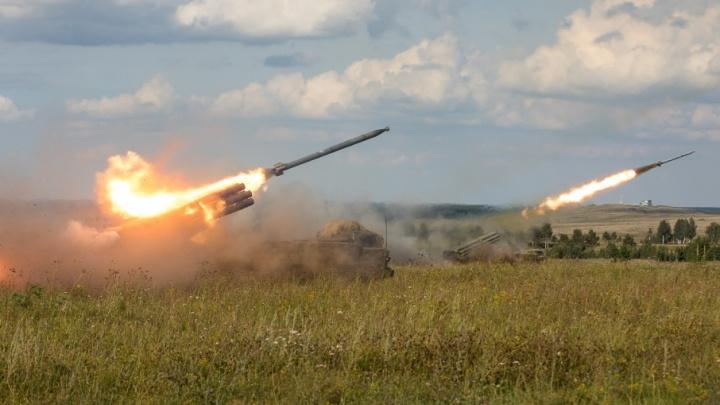 «Орланы» и «Ураганы»: в Челябинскую область перебросили системы залпового огня