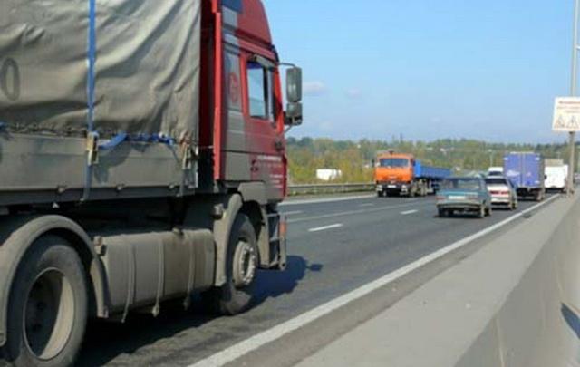 До конца лета в Волгоград закрыт въезд для большегрузов