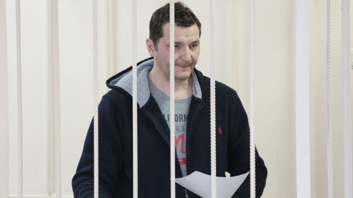 «Сбережения семьи»: обвинённый во взятках главный инженер ЧКТС объяснил изъятие пачек денег