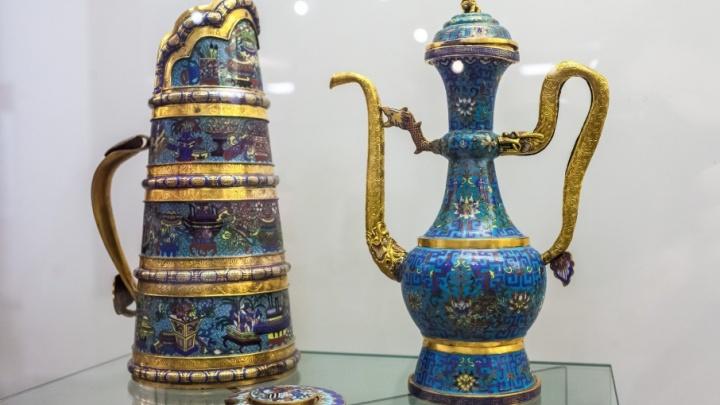 Шаманские бубны, топоры и золотой Будда: в Челябинске покажут подарки для российских царей
