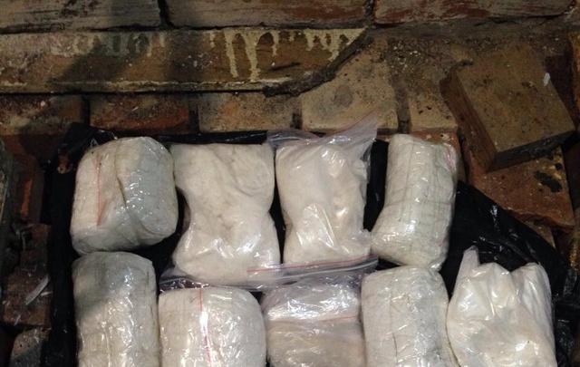 Двое украинцев продавали в Ростове десятки килограммов «соли» и спайса