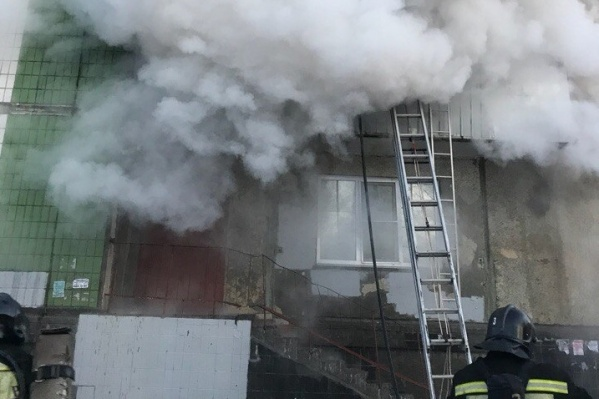 На пожаре пострадали 13 человек