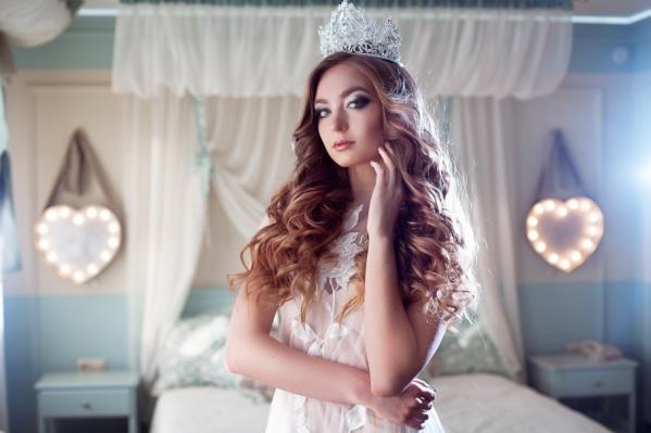 Не только умница, но и красавица: жюри конкурсов красоты всегда восхищаются натуральной блондинкой ростом 180 см