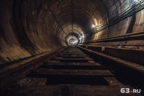 Строительство тоннелей «Алабинской» затянется на два года