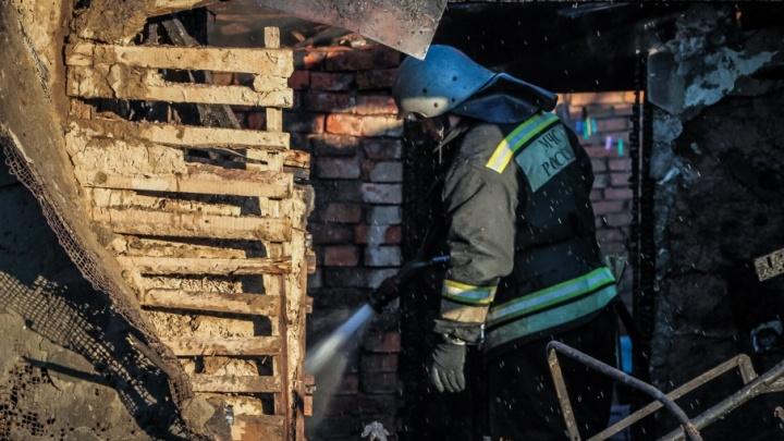 Следователи начали проверку после гибели пенсионеров при пожаре в Таганроге