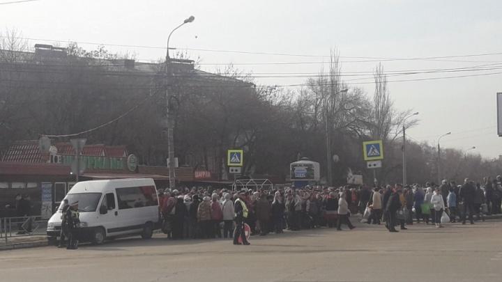 «Автобусы переполнены»: жители Самары пожаловались на перевозки до кладбищ