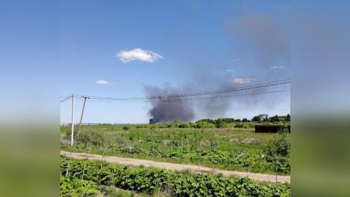 С трассы под Ярославлем повалил чёрный дым: что там произошло