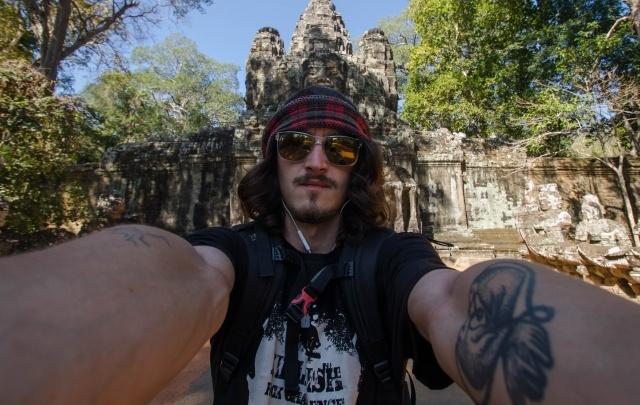 Жизнь налегке: 22-летний пермяк отправился в кругосветное путешествие без денег