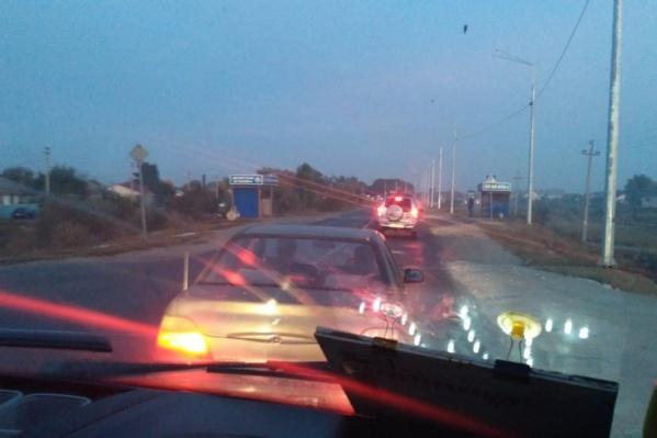 Автомобилисты застряли в заторе на подъезде к Волгограду