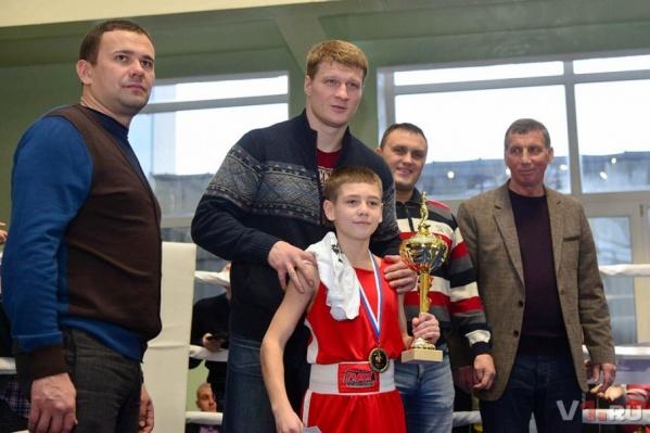 Александра Поветкина всегда рады видеть в Волгограде и юные и опытные боксеры