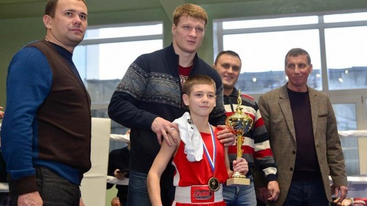 Супертяжеловес Поветкин нокаутировал британца под песню автора «Сталинграда»