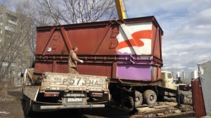 Снесли незаконные гаражи: в Перми начали расчищать территорию у кругового перекрестка на Макаренко