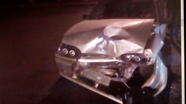 Молодые автомобилисты не поделили дорогу в Челябинске: ранены два человека