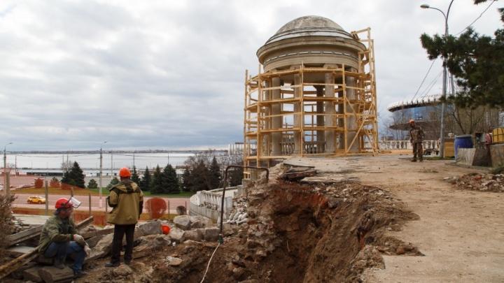 Ротонду на набережной Волгограда будут спасать от обрушения, как ГДЮЦ