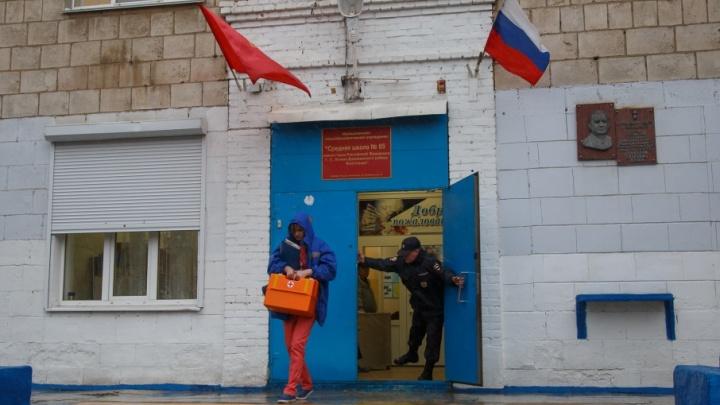 В Волгограде восьмиклассник погиб от ножевого ранения в школьном туалете