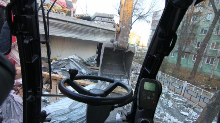 Строительству улицы XXII Партсъезда до Ново-Садовой мешает трехэтажное здание
