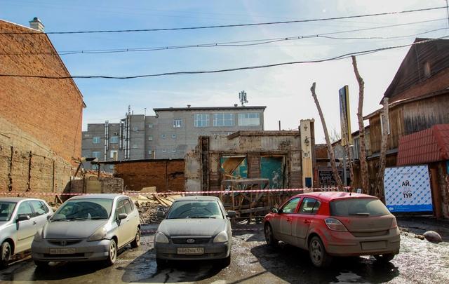 В центре Челябинска снесли здание конца XX века