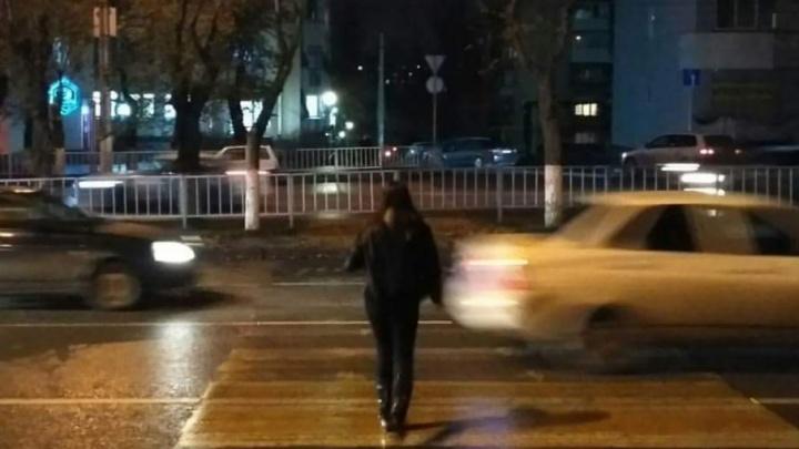 Волгоградцы игнорируют закрытие перехода в центре Волгограда