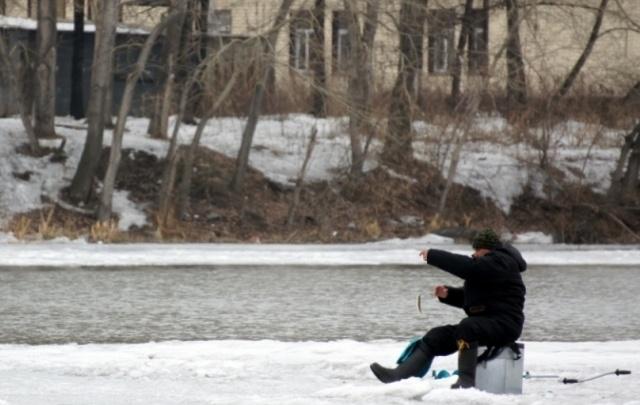 Спасатели предупредили челябинцев об опасности весеннего льда