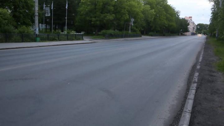 Дождливая погода снизила темпы ремонтов дорог в Архангельске