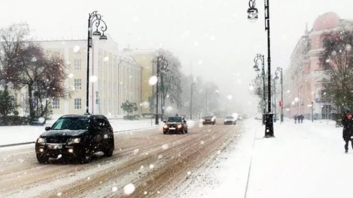 Тюмень ждёт еще одно снежное утро: синоптики предупреждают о непогоде и усилении ветра