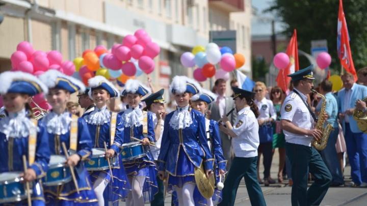 Карнавал, турнир по футболу и часовой концерт Лазарева: публикуем полную программу Дня города в Перми