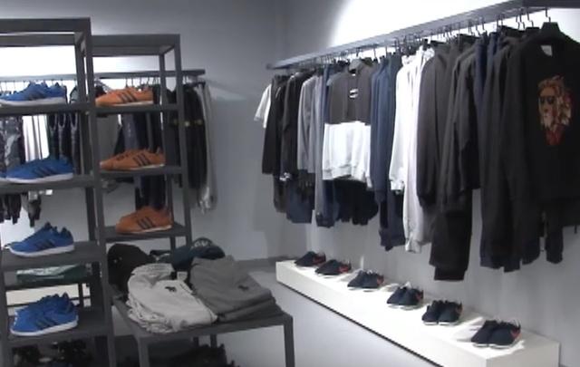 В торговом центре Перми продавали мужскую одежду поддельных брендов