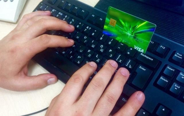 Сотрудник ростовского салона сотовой связи оформлял кредиты на клиентов без их ведома