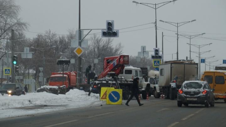 Коллапс на Московском шоссе: на Ракитовском кольце включили светофоры