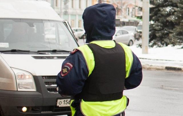 Ярославец, сунувший тысячу рублей гаишнику, стал фигурантом уголовного дела