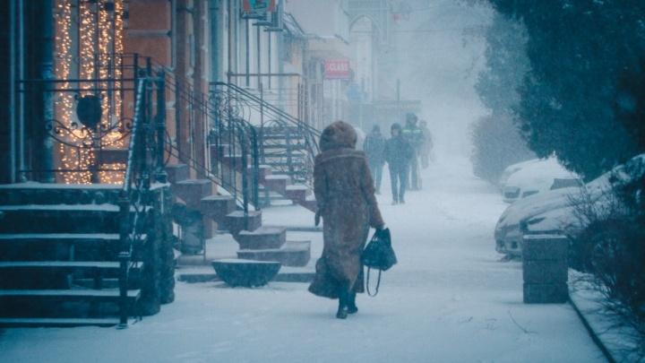 Ростов-на-снегу: в городе несколько часов не прекращалась метель (фоторепортаж)