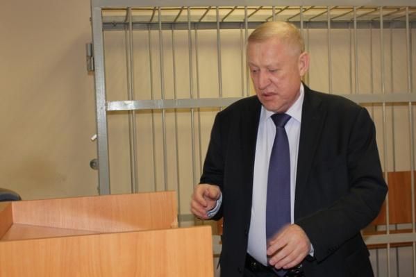 Евгений Тефтелев просил отпустить его с заседания чистить город