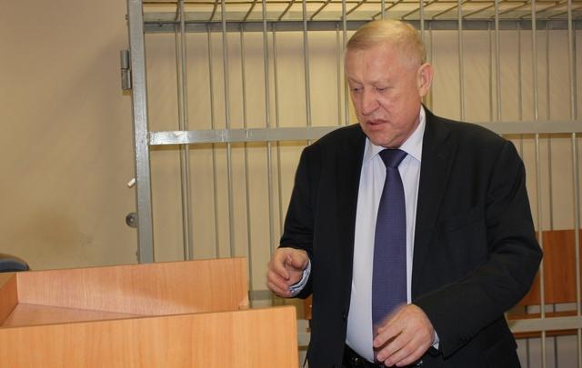«Мне город чистить»: Тефтелев попросил отпустить его из суда по делу Сандакова