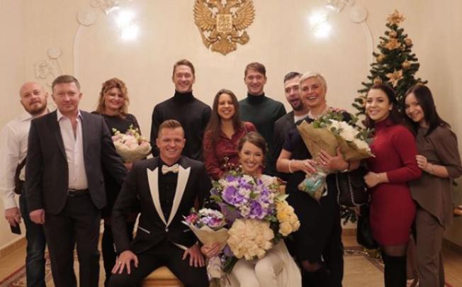 В Сети появилась свадебная фотография ростовской модели Костенко и футболиста Тарасова