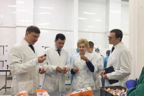 Дмитрий Миронов научился делать конфеты