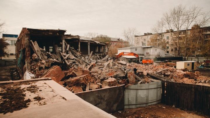 Баню на Полевой разрушили, чтобы восстановить