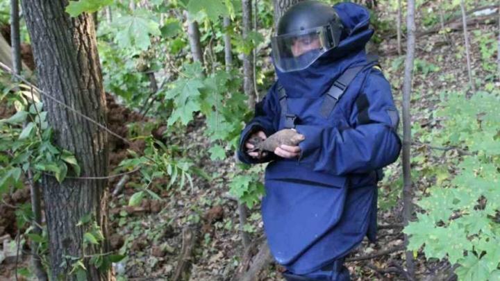 В Самаре мужчина выкопал на даче снаряды времен Великой Отечественной войны