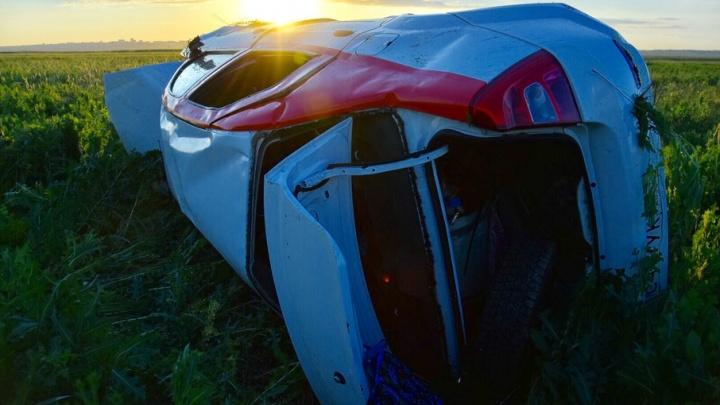 На Дону перевернулся Renault Logan: погибли девушка и ребенок