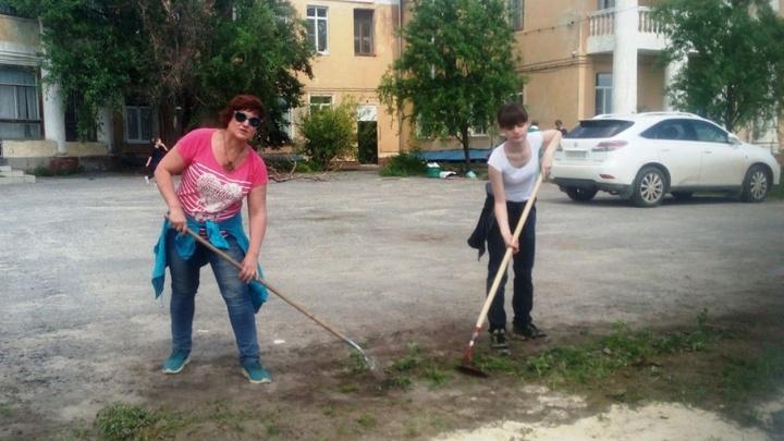 Жителей Волгограда приглашают в детскую больницу на субботник