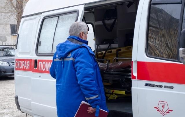 Двоих челябинцев нашли мёртвыми в подъезде дома на ЧТЗ