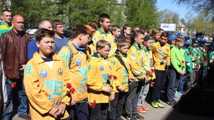 В Архангельске прошел митинг в честь 100-летия тренера «Водника» Анатолия Скворцова